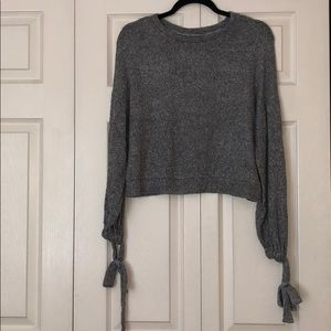 Francesca's Women's Light Grey Sweater